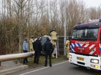 Vrachtwagen op zijn kant Aquamarijnweg Dordrecht