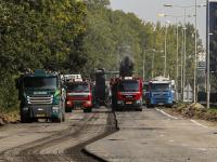 Asfalt weg schrapen Rondweg N3 Dordrecht