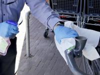 Winkelwagen verplicht Plus het Lam Coronavirus Dordrecht