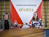 oude en nieuwe voorzitter Sparta Dordrecht