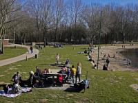 20192502 Genieten in het zonnetje tijdens de voorjaarsvakantie Merwelanden Dordrecht Tstolk 002